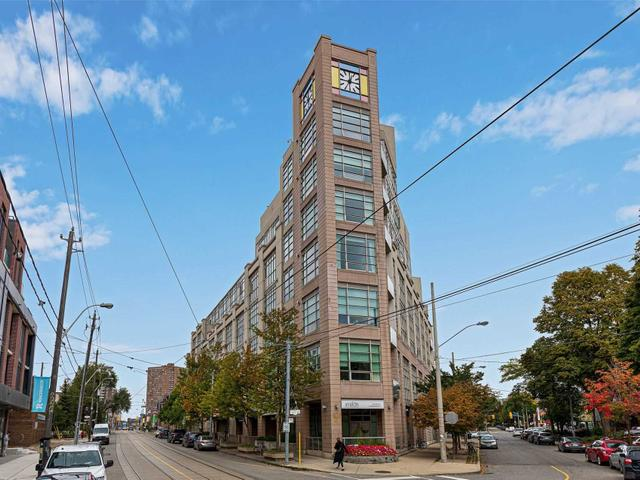 401 - 437 Roncesvalles Ave