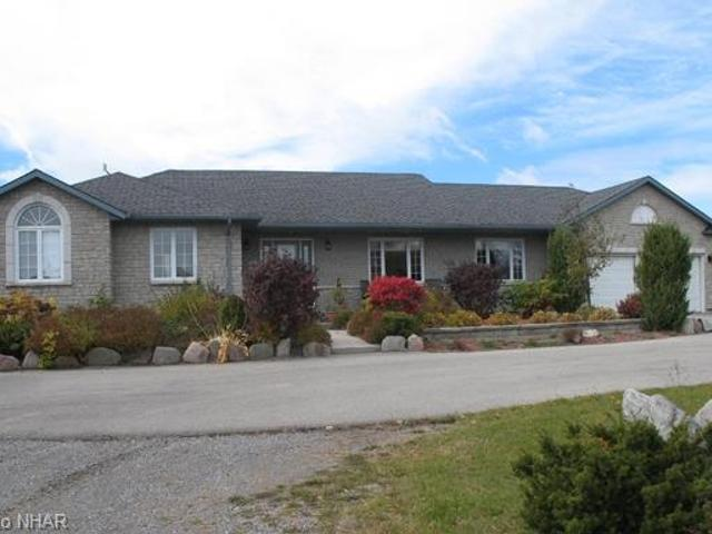 3262 Charbrook Cres