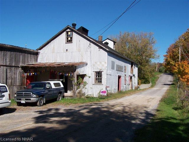 7712 Grist Mill Rd photo #1