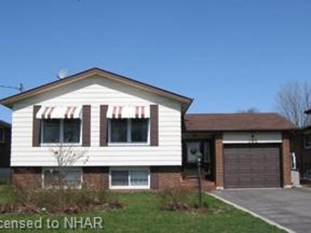 604 Willow Cres