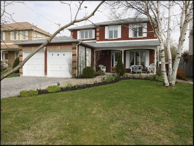 754 Daintry Cres