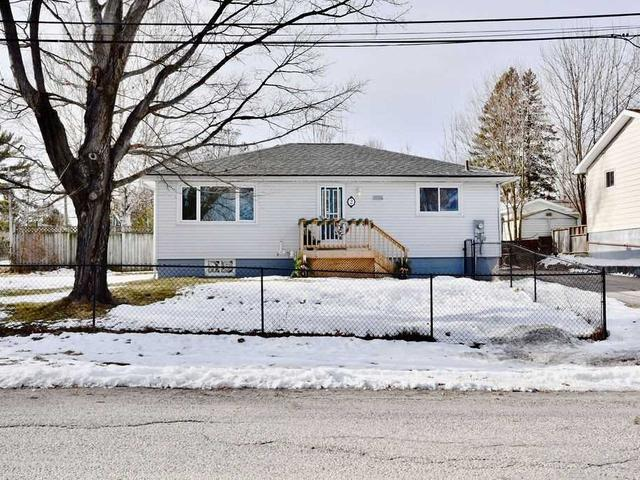 2 Mapleview Dr
