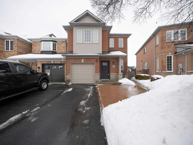 15 Moore Cres