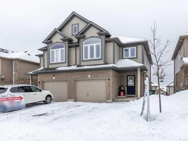 93 Oakes Cres