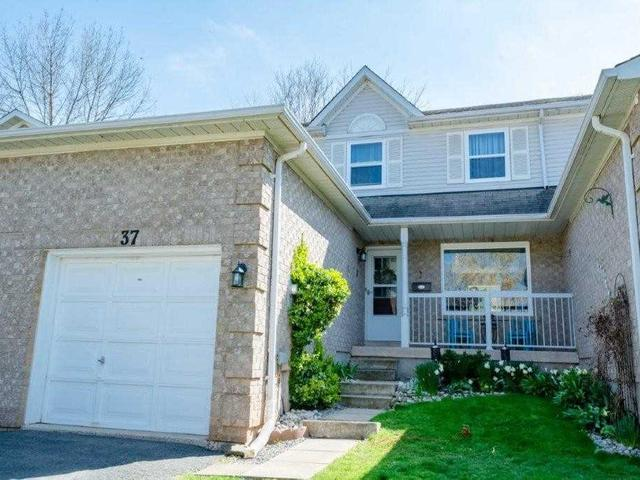 37 Hedge Lawn Dr