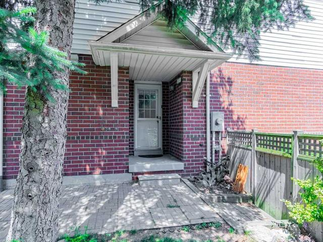 25 Thornlodge Dr
