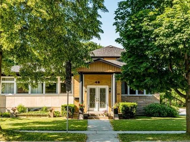 48 Inverness Ave W